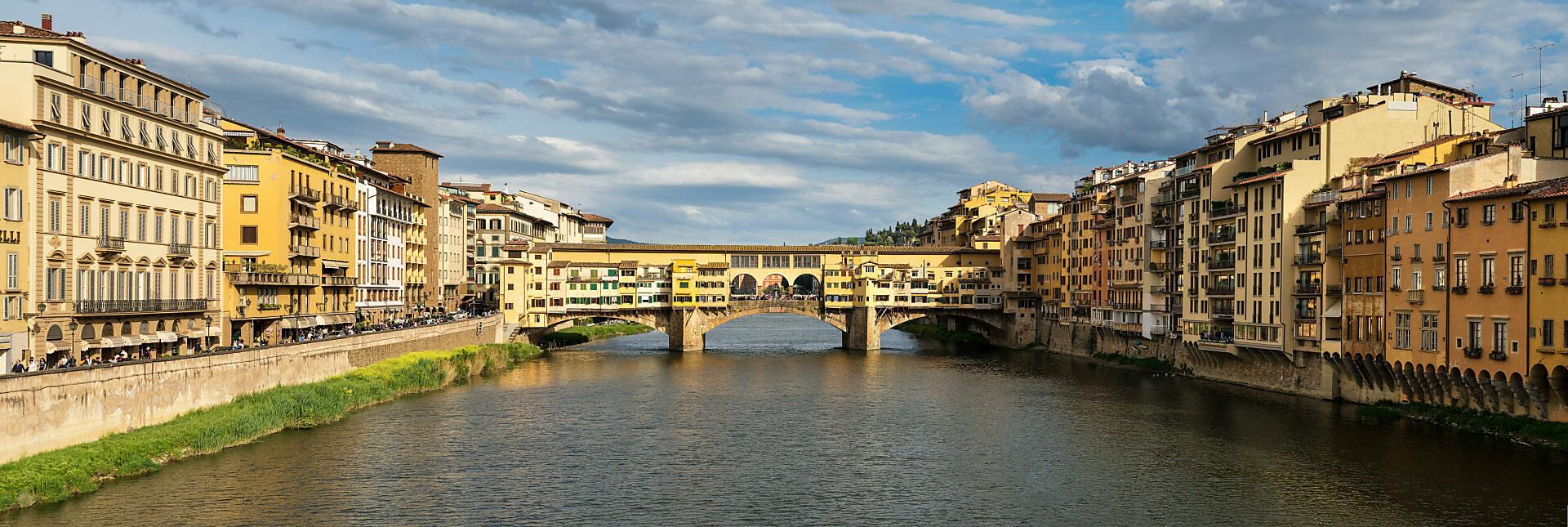 Panorama, Florence, Ponte Vecchio, view from Ponte S. Trinita