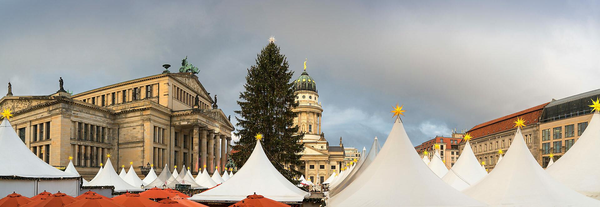 Berlin, Gendarmenmarkt, Weihnachtsmarkt, Französischer Dom, Konzerthaus, Panorama