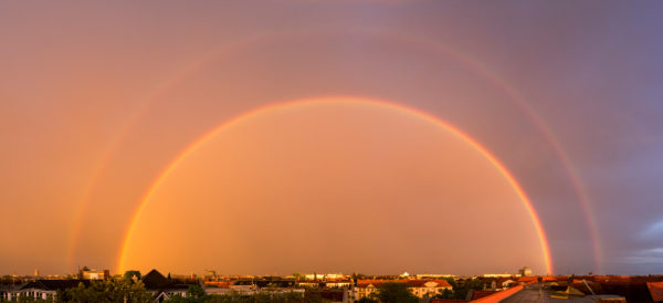 Berlin, Panorama, kompletter doppelter Regenbogen