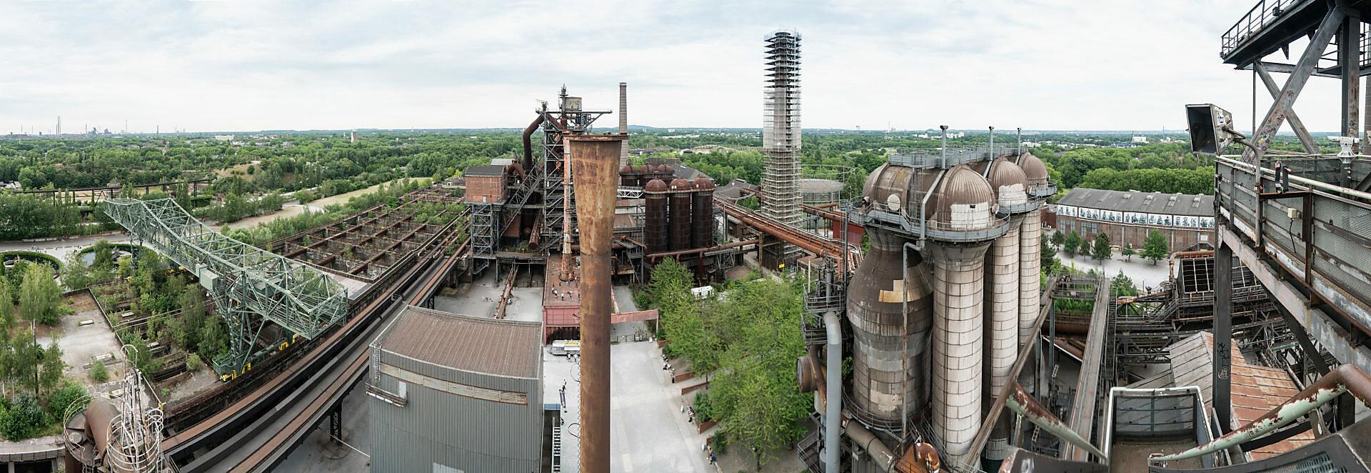 Duisburg, Landschaftspark Nord, ehemaliges Hüttenwerk, Panorama-Fernblick von Hochofen 5