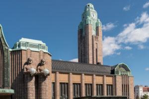 Helsinki, Finnland, Hauptbahnhof, Jugendstil und Neoklassizismus, Uhrenturm und Statuen von Emil Wikström