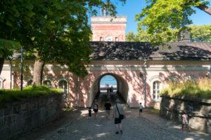 Helsinki, Insel Suomenlinna, Seefestung, Uferkaserne, Tor