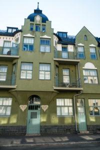 Helsinki, Jugendstilarchitektur im Stadtteil Eira, Juvilakatu, Erker und Balkone