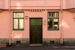 Helsinki, Jugendstilarchitektur im Stadtteil Eira, Juvilakatu, Eingangstür