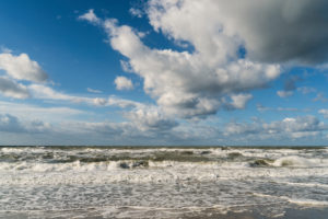 Baltic Sea, Fischland, Darß, Weststrand, coast at storm surge, clouds