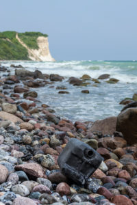 Baltic Sea, island of Rügen, Cape Arkona, beach, canisters, plastic waste, rubbish problem