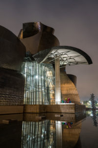 Spain, Bilbao, Guggenheim Museum, architecture, night shot