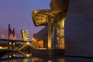 Spanien, Bilbao, Guggenheim-Museum, Rio Nervion, Nachtaufnahme