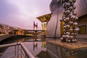 Spain, Bilbao, Guggenheim Museum, sculpture, ball tree