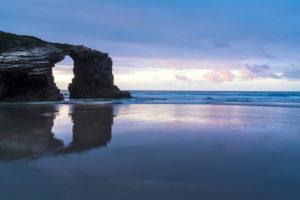 Spanien, Nordküste, Galicien, Nationalpark, Kathedralenstrand, Playa de las Catedrales, Naturdenkmal, Abendstimmung
