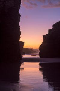Spanien, Nordküste, Galicien, Nationalpark, Kathedralenstrand, Playa de las Catedrales, Naturdenkmal, Abendstimmung, Silhouette