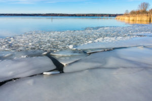 Berlin, Wannsee, icy riparian zone