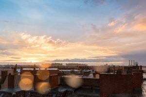 Berlin, Dachterrasse, Unwetter, Tropfenreflexe im Gegenlicht