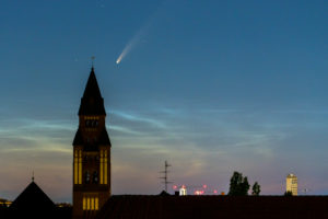 "Comet ""Neowise"" with tail, (C / 2020 F3) over Berlin"