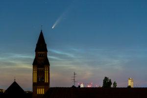 """Komet """"Neowise"""" mit Schweif, (C/2020 F3) über Berlin"""