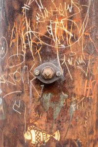 Duisburg, Landschaftspark Nord, ehemaliges Hüttenwerk, rostige Verkleidung mit Graffiti