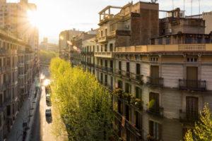 Barcelona, Altstadt, Strasse im Abendlicht