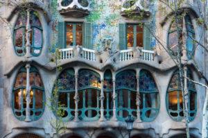 Barcelona, Casa Battlo, Paseo de Gracia, Architekt Antoni Gaudi, Fenster
