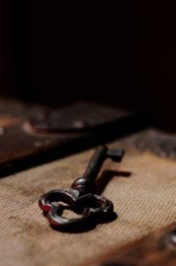 Schlüssel, Schatztruhe