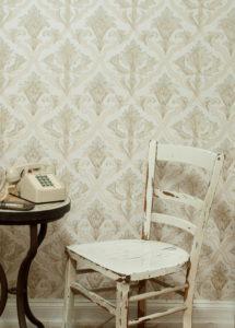 weißer Stuhl, Telefon, Tapete, Tisch