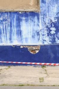 Blaue Wand, Wand, Absperrband, Hinterhof