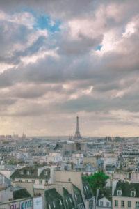 Stadtübersicht von Paris, Himmel, Wolken