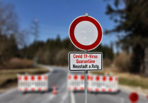 Germany, Thuringia, Ilmkreis, Großbreitenbach, Neustadt / Rnstg, Hohe Tanne, signs, road closure