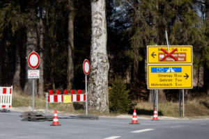 Germany, Thuringia, Großbreitenbach, Neustadt / Rnstg, Hohe Tanne, signs, street, road closure