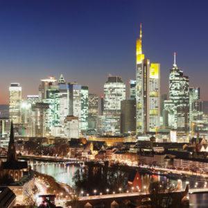 Skyline with financial district and Frankfurt Cathedral, Frankfurt, Hessia, Germany
