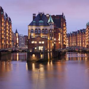 Wasserschloss (Fleetschlösschen) zwischen Holländischbrookfleet und Wandrahmsfleet, Speicherstadt, UNESCO Weltkulturerbe, Hamburg, Deutschland