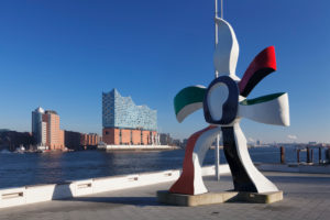 Sculpture of Fernand Leger in front of the Stagetheater, view over the Elbe to the Elbphilharmonie, hafencity, Hamburg, Germany