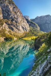 Obersee mit Blick zur Fischunkelalm, Salet am Königssee, Berchtesgadener Land, Nationalpark Berchtesgaden, Oberbayern, Bayern, Deutschland