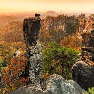 View over the Wehlnadel to the Bastei Bridge, Llilienstein behind, Bastei, Elbe Sandstone Mountains, National Park Saxon Switzerland, Saxony, Germany