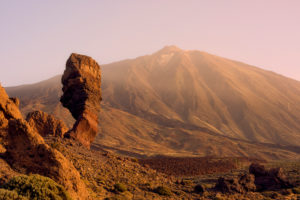 Roque Cinchado, Los Roques de Garcia, Pico del Teide, Reading Cañadas, at sunrise, Teide National Park, UNESCO world nature heir, Tenerife, Canary islands, Spain
