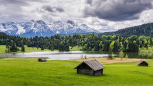 Geroldsee in front of Karwendel mountains, near Krün, Werdenfelser Land, Upper Bavaria, Bavaria, Germany