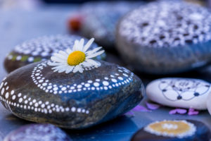 painted stones, blossom, Stone Art
