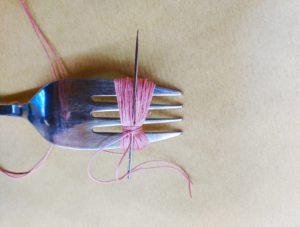 DIY, tassel, yarn, fork