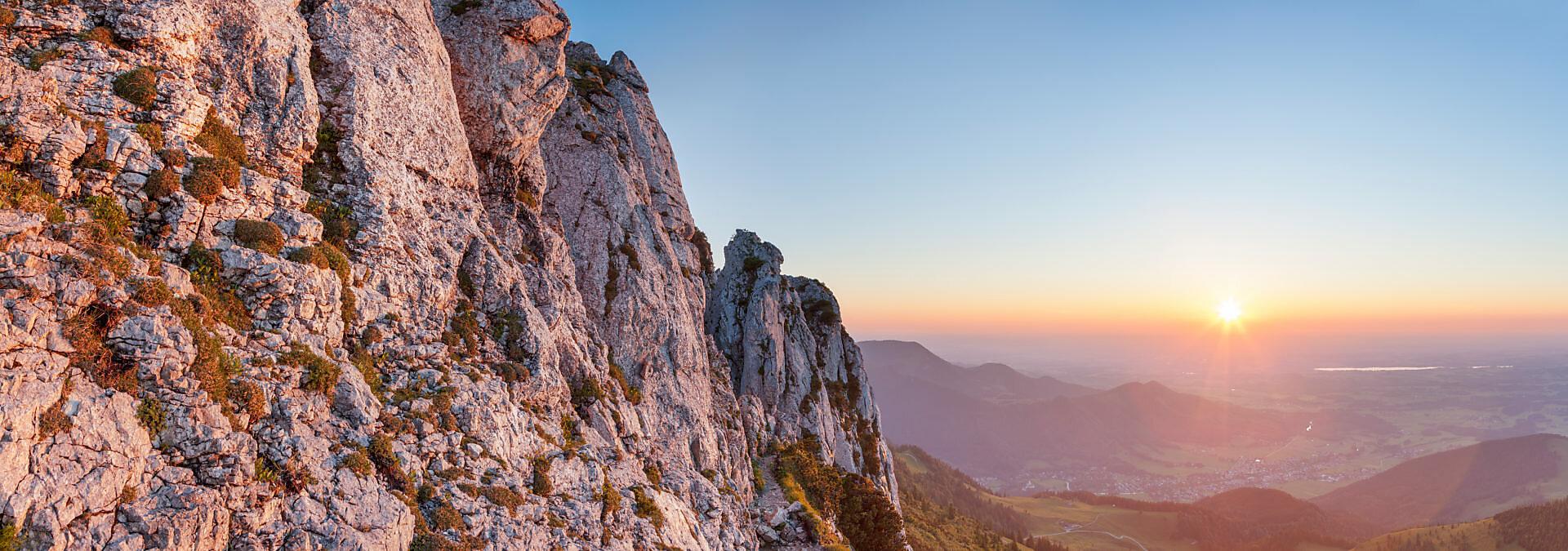 Sonnenuntergang an der Kampenwand (1669 m), bei Aschau, Chiemgauer Alpen, Chiemgau, Oberbayern, Bayern, Süddeutschland, Deutschland, Europa