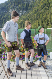Aufkranzen', adornment of the cows after arrival in Schönau, cattle drive ('Almabtrieb') at Königssee, Saletalm (owned by the Resch family), Berchtesgadener Land, Upper Bavaria, Bavaria, southern Germany, Germany, Europe