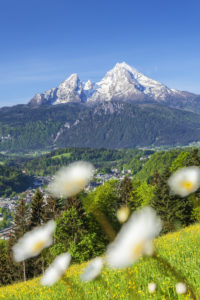 View on Berchtesgaden with parish church in front of the Watzmann massif, Berchtesgadener Land, Upper Bavaria, Bavaria, southern Germany, Germany, Europe