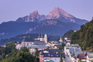 View on Berchtesgaden with Collegiate Church and Parish church in front of the Watzmann, Berchtesgadener Land, Upper Bavaria, Bavaria, southern Germany, Germany, Europe