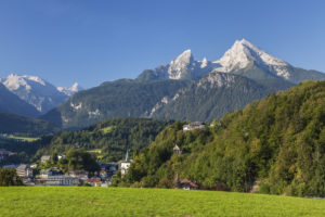 View over Berchtesgaden to the mountain Watzmann, Berchtesgadener Land, Upper Bavaria, Bavaria, southern Germany, Germany, Europe