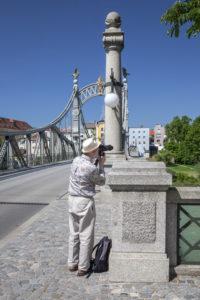 Salzachbrücke und Länderbrücke über die Salzach, Blick von Oberndorf in Österreich nach Laufen, Rupertiwinkel, Berchtesgadener Land, Oberbayern, Bayern, Süddeutschland, Deutschland, Europa