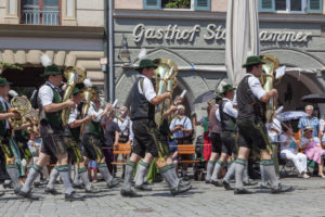 Costume parade on Max-Josefs-Platz in Rosenheim, Gaufest of the Gauverband I, Upper Bavaria, Bavaria, southern Germany, Germany, Europe