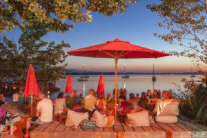 Sundowner-Bar in Übersee am Chiemsee, Chiemgau, Oberbayern, Bayern, Süddeutschland, Deutschland, Europa