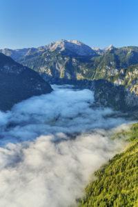 Blick von der Archenkanzel über den Königssee zum Funtenseetauern (2.578 m) im Steinernen Meer, Schönau am Königssee, Oberbayern, Bayern, Süddeutschland, Deutschland