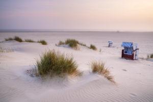 Strand auf Insel Juist, Ostfriesland, Ostfriesische Inseln, Niedersachsen, Nordseeküste, Norddeutschland, Deutschland, Europa