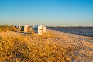 Strand von Hooksiel, Wangerland, Ostfriesland, Nordseeküste, Niedersachsen, Norddeutschland, Deutschland, Europa