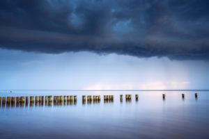 Ruhe vor dem Sturm über der Ostsee, Graal-Müritz, Ostseeküste, Mecklenburg-Vorpommern, Norddeutschland, Deutschland, Europa