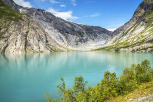 Blick über den Gletschersee Nigardsbrevatnet auf den Gletscher Nigardsbreen im Jostedal, Gjerde, Gaupne, Sogn og Fjordane, Norwegen
